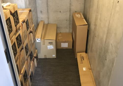 3・8・11・12階に、物資を備蓄した「防災倉庫」を完備