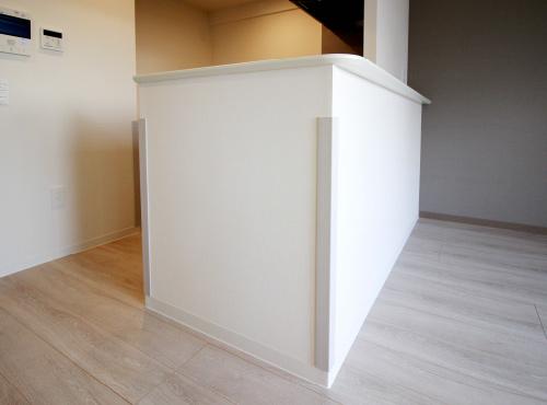 家具などによるケガを防ぐ「コーナーガード」。